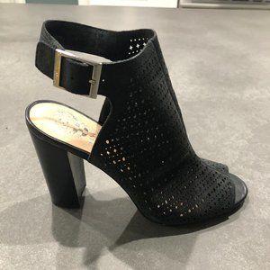 Vince Camuto Selda leather Open toe Sandal 7.5